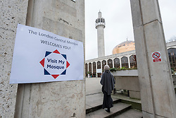 © Licensed to London News Pictures. 05/02/2017. London, UK. Vistitors are welcomed during an open day held at the Central London Mosque near Regent's Park.  Over 150 mosques across the UK have been encouraged to hold mosque open days as part of Visit My Mosque Day, a national initiative facilitated by the Muslim Council of Britain (MCB), showcasing how mosques are not only spiritual focal points, but also servants to their localities helping people of all faiths and none by running food banks, feed-the-homeless projects, neighbourhood street cleans, local fundraising and more. Photo credit : Stephen Chung/LNP