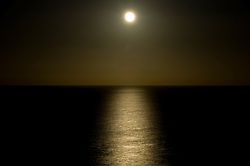 © Licensed to London News Pictures. 09/01/2012..Saltburn, England. ..A spectacular moonrise is seen over the North Sea at Saltburn by the Sea in Cleveland...Photo credit : Ian Forsyth/LNP