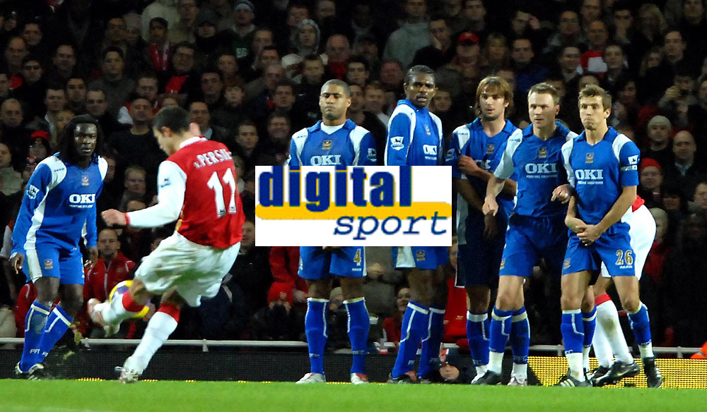 Photo: Ed Godden.<br />Arsenal v Portsmouth. The Barclays Premiership. 16/12/2006. Arsenal's Robin Van Persie takes a free kick from just outside the area in the final minutes of the game.