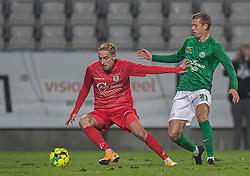 Lucas Haren (FC Helsingør) presses af Frederik Brandhof (Viborg FF) under kampen i 1. Division mellem Viborg FF og FC Helsingør den 30. oktober 2020 på Energi Viborg Arena (Foto: Claus Birch).