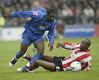Photo: Aidan Ellis.<br /> Lincoln City v Grimsby Town. Coca Cola League 2, Play off Semi Final. 13/05/2006.<br /> Grimsby's Gary Cohen gets away from Lincoln's Nat Brown