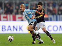 Fotball<br /> Tyskland v Argentina<br /> 03.03.2010<br /> Foto: Witters/Digitalsport<br /> NORWAY ONLY<br /> <br /> v.l. Juan Sebastian Veron, Michael Ballack (Deutschland)<br /> Testspiel Deutschland - Argentinien