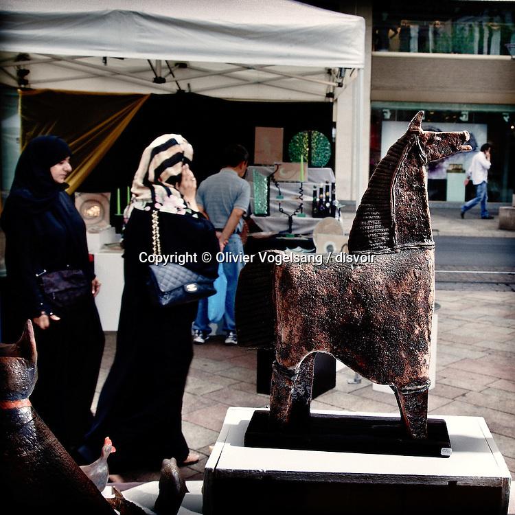 Genève, mai à septembre 2010. Travail sur les marchés de la ville de Genève. Le travail est édité dans un livre aux Editions Glénat à paraitre à l'automne.<br /> © Olivier Vogelsang