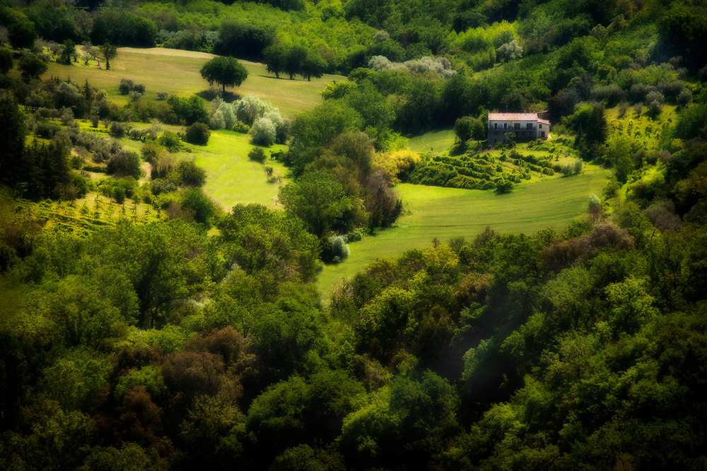 Sunlight on a pastoral home, Perugia, Italy