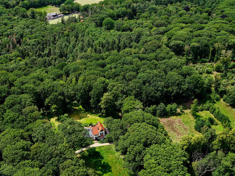Nederland, Gelderland, Gemeente Lochem, 21–06-2020; landelijk landschap tussen Ommen en Zutphen (Kwartier Zutphen), onderdeel van de Achterhoek. Direct ten Zuiden van Lochem.<br /> Rural landscape between Ommen and Zutphen (Quarter Zutphen).<br /> <br /> luchtfoto (toeslag op standaard tarieven);<br /> aerial photo (additional fee required)<br /> copyright © 2020 foto/photo Siebe Swart