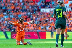 01-06-2019 NED: Netherlands - Australia, Eindhoven<br /> <br /> Friendly match in Philips stadion Eindhoven. Netherlands win 3-0 / Danielle van de Donk #10 of The Netherlands, Alanna Kennedy #14 of Australia