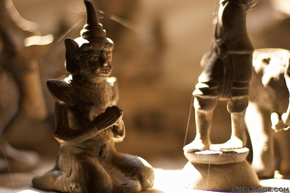 A strange lille statue in Myanmar