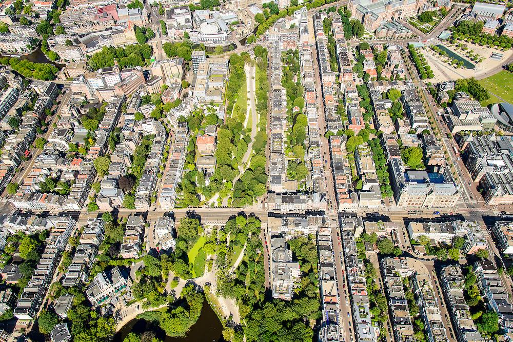 Nederland, Noord-Holland, Amsterdam, 01-08-2016; westelijk deel van het Vondelpark, doorsneden door de Van Baerlestraat. Rechts op de foto de PC Hooftstraat en de Paulus Poterstraat.<br /> Western part of the Vondelpark, intersected by the Van Baerlestraat<br /> luchtfoto (toeslag op standard tarieven);<br /> aerial photo (additional fee required);<br /> copyright foto/photo Siebe Swart