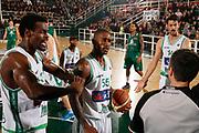DESCRIZIONE : Avellino Lega A 2011-12 Sidigas Avellino Montepaschi Siena<br /> GIOCATORE : Linton Johnson Taquan Dean Arbitro<br /> SQUADRA : Sidigas Avellino <br /> EVENTO : Campionato Lega A 2011-2012<br /> GARA : Sidigas Avellino Montepaschi Siena<br /> DATA : 11/12/2011<br /> CATEGORIA : ritratto delusione proteste<br /> SPORT : Pallacanestro<br /> AUTORE : Agenzia Ciamillo-Castoria/A.De Lise<br /> Galleria : Lega Basket A 2011-2012<br /> Fotonotizia : Avellino Lega A 2011-12 Sidigas Avellino Montepaschi Siena<br /> Predefinita :