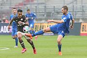 Fussball: 2. Bundesliga, FC St. Pauli - 1. FC Heidenheim, Hamburg, 27.09.2020<br /> Rodrigo Zalazar (Pauli, l.) - Patrick Mainka (Heidenheim)<br /> © Torsten Helmke
