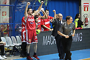 Esultanza panchina Varese, Red October Cantù vs Openjobmetis Varese - 18 giornata Campionato LBA 2017/2018, PalaDesio Desio 05 febbraio 2018 - foto Bertani/Ciamillo