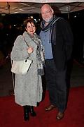 Premiere van de muziekkomedie Little Voice in het oude Luxor Theater, Rotterdam.<br /> <br /> Op de foto: <br /> <br />  Anne-Mieke Ruyten en partner Ron Cornet