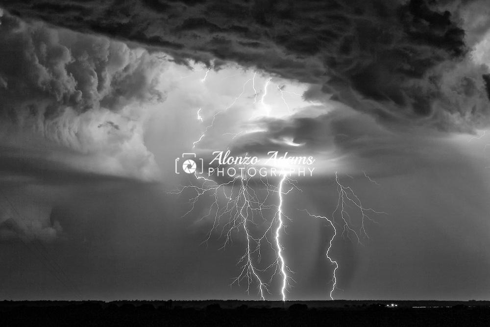 Lightning near El Reno, Okla. on August 17, 2009. Photo copyright © 2009 Alonzo J. Adams.
