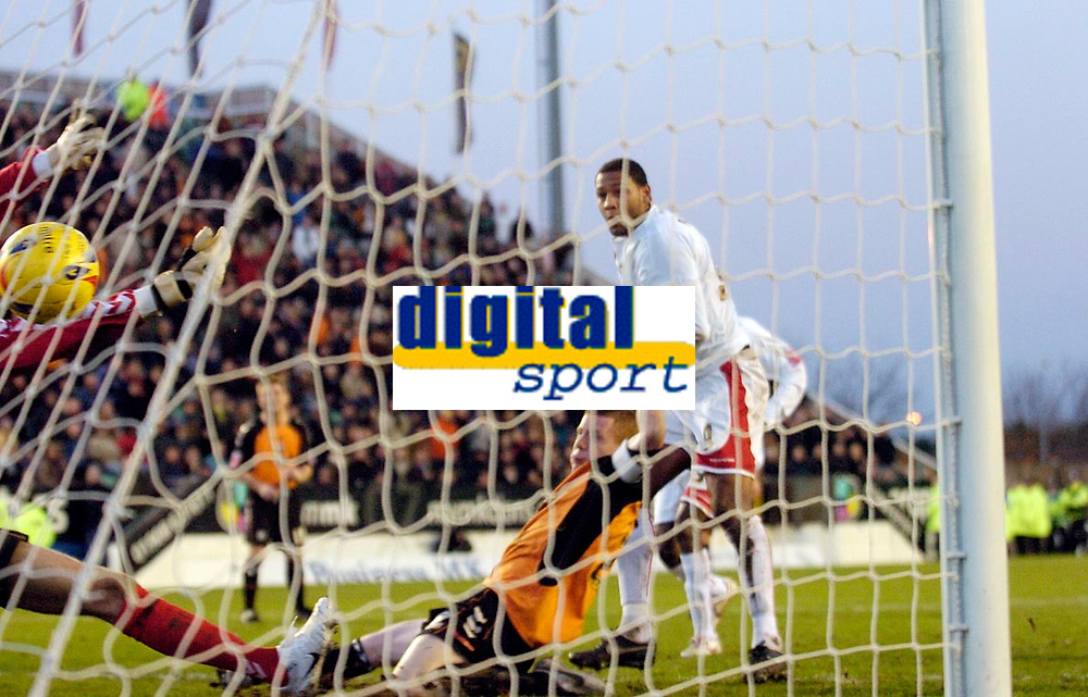 Photo: Leigh Quinnell.<br /> Milton Keynes Dons v Barnet. Coca Cola League 2. 20/01/2007. MK Dons Clive Platt scores after his penalty was saved.