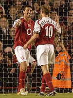 Fotball<br /> England 2004/2005<br /> Foto: SBI/Digitalsport<br /> NORWAY ONLY<br /> <br /> FA Barclays Premiership<br /> Arsenal v Everton<br /> 11th May, 2005<br /> <br /> Arsenal's Edu celebrates what may be his last goal for the club with team mate Dennis Bergkamp