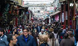 THEMENBILD - Menschenmassen am Großen Bazar. Istanbul, früher Konstantinopel, ist die größte Stadt der Türkei. Sie liegt am Bosporus und liegt am Schnittpunkt von Asien und Europa. Aufgenommen am 05.03.2016 in Istanbul, Türkei // crowded Grand Bazar Istanbul, former Constantinople, is the biggest City of Turkey. Turkey on 2016/03/05. EXPA Pictures © 2016, PhotoCredit: EXPA/ Michael Gruber