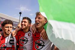 14-05-2017 NED: Kampioenswedstrijd Feyenoord - Heracles Almelo, Rotterdam<br /> In een uitverkochte Kuip speelt Feyenoord om het landskampioenschap / Spelers van Feyenoord vieren het kampioenschap. Steven Berghuis #19, Dirk Kuyt #7, Bilal Basacıkoglu #14