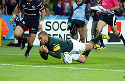 A rare mistake from Bryan Habana of South Africa as he fails to pick up a ball for an easy try<br /> Rugby World Cup England 2015 - South Africa v USA - 07/10/2015 - Queen Elizabeth Olympic Stadium - London<br /> Mandatory Credit : Andrew Fosker / Seconds Left <br />  {22062000}