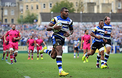 Semesa Rokoduguni of Bath Rugby runs in a try - Photo mandatory by-line: Patrick Khachfe/JMP - Mobile: 07966 386802 13/09/2014 - SPORT - RUGBY UNION - Bath - The Recreation Ground - Bath Rugby v London Welsh - Aviva Premiership