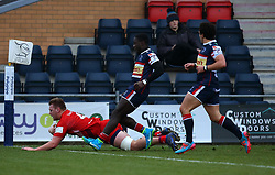 Joe Batley of Bristol Rugby scores a try - Mandatory by-line: Robbie Stephenson/JMP - 13/01/2018 - RUGBY - Castle Park - Doncaster, England - Doncaster Knights v Bristol Rugby - B&I Cup