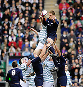 Twickenham. GREAT BRITAIN, Jon CHANCE collects the line out ball, during the 2006 Varsity Rugby Match at Twickenham Stadium, England 12.12.2006. [Photo, Peter Spurrier/Intersport-images] Sponsor, Lehman Brothers,