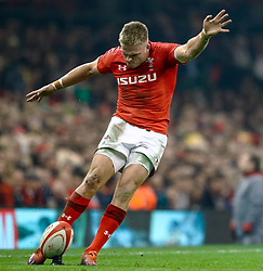 Gareth Anscombe of Wales<br /> <br /> Photographer Simon King/Replay Images<br /> <br /> Under Armour Series - Wales v South Africa - Saturday 24th November 2018 - Principality Stadium - Cardiff<br /> <br /> World Copyright © Replay Images . All rights reserved. info@replayimages.co.uk - http://replayimages.co.uk