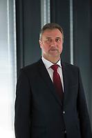 DEU, Deutschland, Germany, Berlin, 01.07.2015: Portrait GDL-Chef Claus Weselsky nach einer Pressekonferenz zur Schlichtung im Tarifkonflikt zwischen der Gewerkschaft Deutscher Lokomotivführer (GDL) und der Deutschen Bahn.