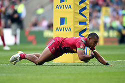 Joe Marchant of Harlequins scores a try in the first half - Mandatory byline: Patrick Khachfe/JMP - 07966 386802 - 02/09/2017 - RUGBY UNION - Twickenham Stadium - London, England - London Irish v Harlequins - Aviva Premiership
