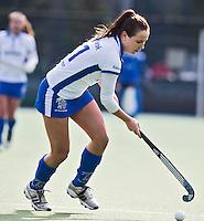 UTRECHT - Kampong speelster Lisa van Baaren  zondag tijdens de competitiewedstrijd tussen de vrouwen van Kampong en Den Bosch (0-1) FOTO KOEN SUYK