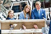 Koningsdag 2019 in Amersfoort / Kingsday 2019 in Amersfoort.<br /> <br /> Op de foto:  Koning Willem-Alexander, prinsessen Amalia, Ariane   ///  King Willem-Alexander, princesses Amalia, Ariane