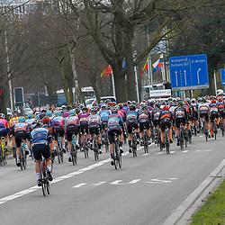 25-03-2021: Wielrennen: Classic Brugge - De Panne Women: De Panne<br /><br />Peloton vertrek uit Brugge richting de Panne