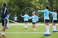 Illustration corde a sauter - 13.05.2015 - Entrainement - Equipe de France de Football feminin<br /> Photo : Andre Ferreira / Icon Sport