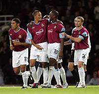 Fotball<br /> Caling Cup England 2004/2005<br /> Andre runde<br /> 21.09.2004<br /> Foto: SBI/Digitalsport<br /> NORWAY ONLY<br /> <br /> West Ham v Notts County<br /> <br /> West hams Bobby Zamora celebrates his second goal against Notts County with team mate Marlon Harewood