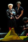 Premiere Patatje Oorlog tijdens de Opening van het Cinekid Festival in de Gashouder op het Westergasterrein in Amsterdam.<br /> <br /> Op de foto: Isolde Hallensleben
