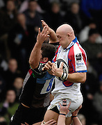 Twickenham, GREAT BRITAIN, Bristol's Nathan BUDGETT, wins the line out ball from the challenge of Quins, Nick EASTER, during the Guinness Premieship match, NEC Harlequins vs Bristol Rugby, at the Twickenham Stoop Stadium, England, on Sat 24.02.2007  [Photo, Peter Spurrier/Intersport-images]