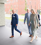 Hare Majesteit Koningin Máxima heeft dinsdag 19 juni een werkbezoek gebracht aan het protonentherapiecentrum van het Universitair Medisch Centrum Groningen (UMCG). Protonentherapie is een innovatieve bestralingsbehandeling voor kankerpatiënten. Het UMCG is het eerste ziekenhuis in Nederland dat sinds januari 2018 deze therapie aanbiedt.<br /> <br /> Her Majesty Queen Máxima  visits the proton therapy center of the University Medical Center Groningen (UMCG) on Tuesday 19 June. Proton therapy is an innovative radiation treatment for cancer patients. The UMCG is the first hospital in the Netherlands to offer this therapy since January 2018.