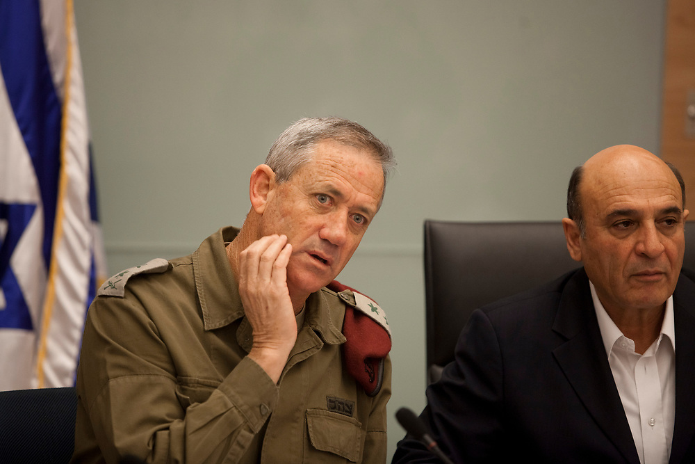 Israeli Chief of Staff, Lieutenant-General Benny Gantz (L) and committee chairman Shaul Mofaz attend a session of the Foreign Affairs and Defense Committee at the Knesset, Israel's parliament in Jerusalem, on January 10, 2012.
