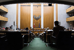 12.10.2016, Parlament, Wien, AUT, Parlament, Nationalratssitzung, Sitzung des Nationalrates mit Budgetrede des Finanzministers, im Bild Übersicht // during meeting of the National Council of austria according to government budget 2017 at austrian parliament in Vienna, Austria on 2016/10/12, EXPA Pictures © 2016, PhotoCredit: EXPA/ Michael Gruber