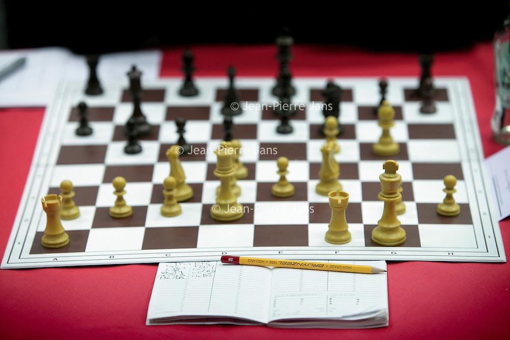 Nederland,Wijk aan Zee ,23 januari 2009.<br /> Magnus Øen Carlsen  is een Noors schaker. Hij is een grootmeester en reeds op jonge leeftijd doorgedrongen tot de wereldtop.<br /> Op de foto Magnus Carlsen tijdens de Corus Chess 2009 in zijn schaakpartij tegen S. Karjakin.