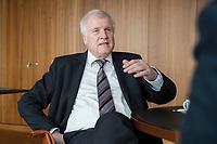 20 JUN 2018, BERLIN/GERMANY:<br /> Horst Seehofer, CSU, Bundesinnenminister, waehrend einem Interview, in seinem Buero, Bundesministerium des Inneren<br /> IMAGE: 20180620-02-029<br /> KEYWORDS: Büro