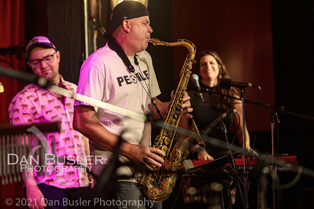 Jen Kearney and The Lost Onion at The Extended Play Sessions - Fallout Shelter in Norwood, MA on September 24, 2021