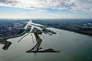 Nederland, Zeeland, Zeeuws-Vlaanderen, 19-10-2014; Terneuzen, Kanaal Gent - Terneuzen. Ingang kanaal en sluizen, verkeespost.  <br /> Channel Gent - Terneuzen, entrance and locks.<br /> luchtfoto (toeslag op standard tarieven);<br /> aerial photo (additional fee required);<br /> copyright foto/photo Siebe Swart