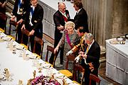 Staatsbezoek aan Nederland van Zijne Majesteit Koning Filip der Belgen vergezeld door Hare Majesteit Koningin <br /> Mathilde aan Nederland.<br /> <br /> State Visit to the Netherlands of His Majesty King of the Belgians Filip accompanied by Her Majesty Queen<br /> Mathilde Netherlands<br /> <br /> op de foto / On the photo: Staatsbanket in Koninklijk Paleis Amsterdam met prinses Beatrix  ///  State Banquet in Royal Palace with Princess Beatrix