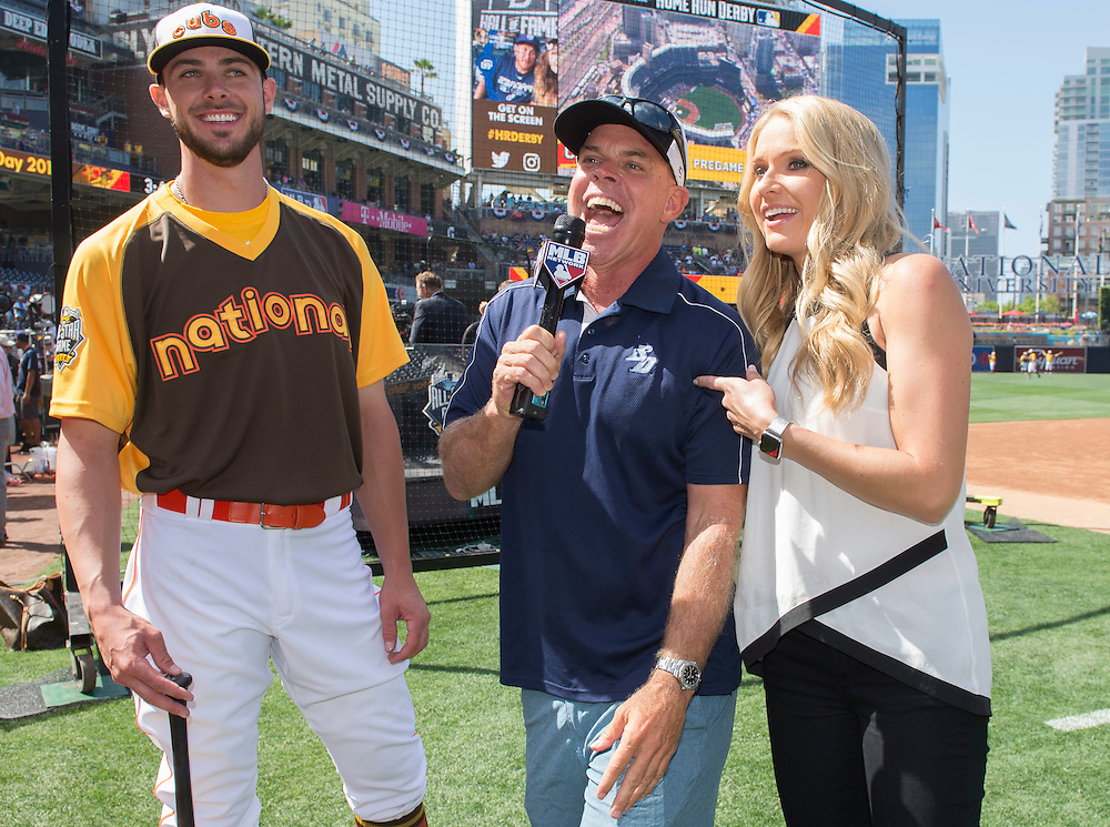 ///ADDITIONAL INFO:   <br /> <br /> derby.0712.kjs  ---  Photo by KEVIN SULLIVAN / Orange County Register  -- 7/11/16<br /> <br /> The 206 MLB All-Star Game at Petco Park in San Diego. <br /> <br /> Villa Park native and former Angel Mark Trumbo competes in the Home-run Derby.