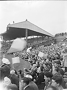 All Ireland Senior Football Championship Final, Dublin vs Derry, Action shot, 28.09.1958, 09.28.1958 Hogan Stand people on roof