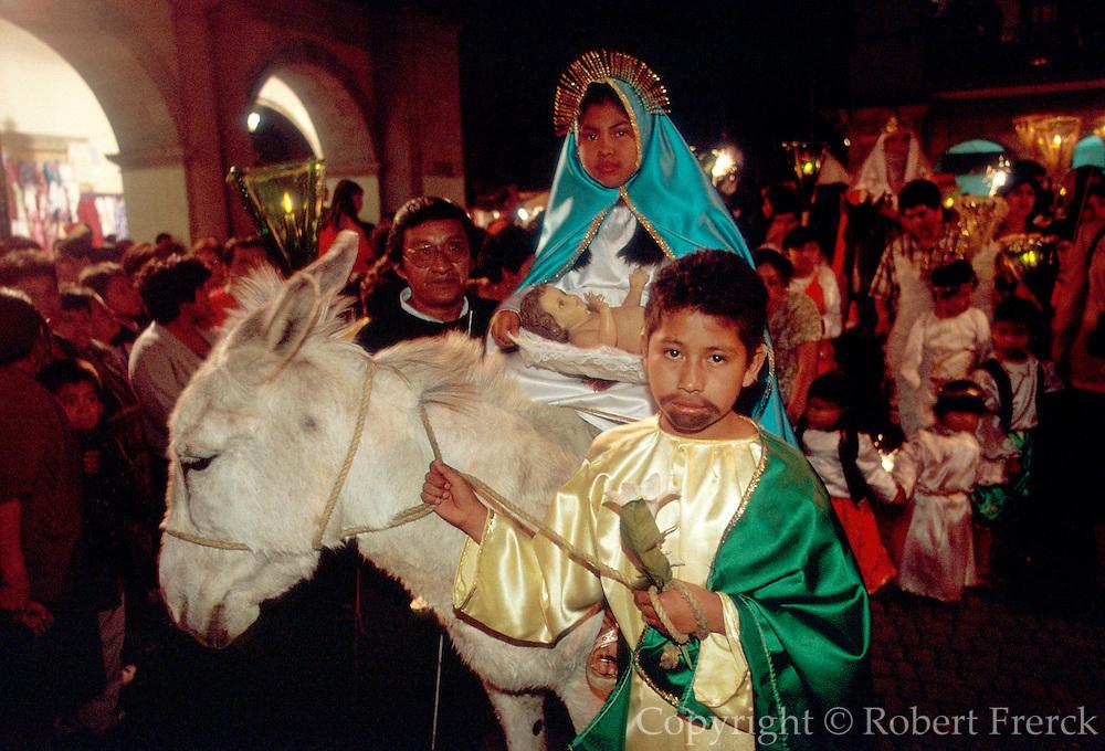 MEXICO, OAXACA, FESTIVALS Christmas procession on Zocalo Plaza