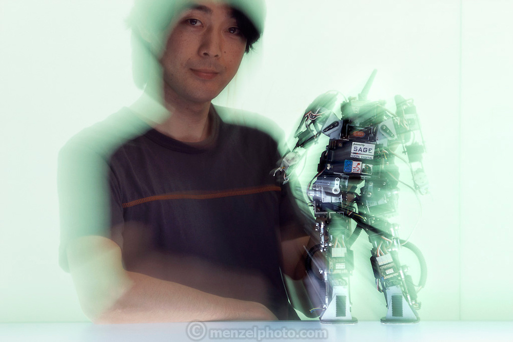 MK 5, a compact robot that can walk dynamically, was designed by researcher Takayuki Furuta. At the Kitano Symbiotic Systems, Tokyo, Japan.