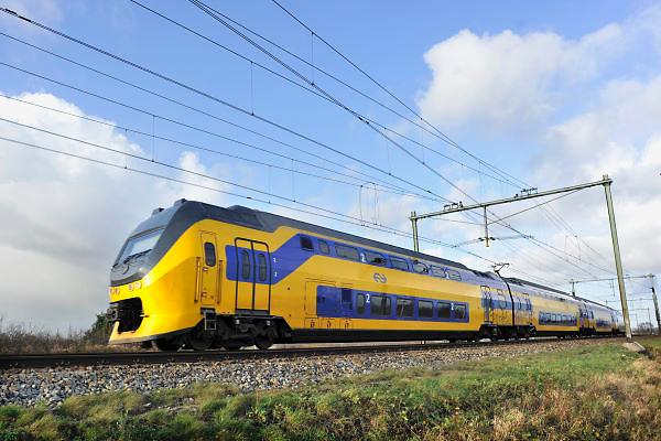 Nederland, Nijmegen, 30-12-2011Een trein van vervoerder NS, nederlandse spoorwegen.Foto: Flip Franssen/Hollandse Hoogte