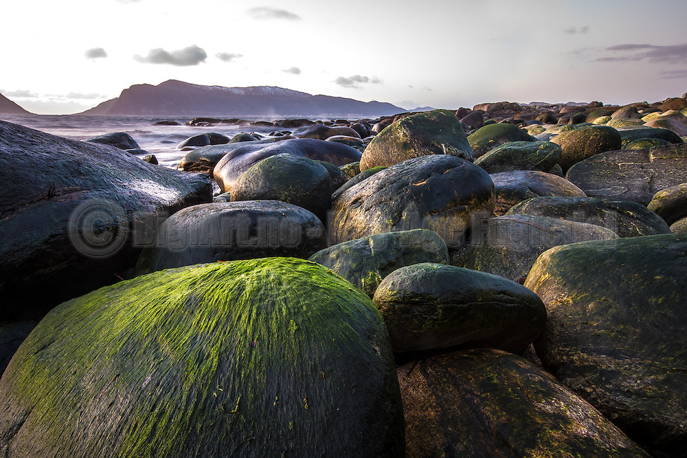 Stones with colors | Steiner med farge.