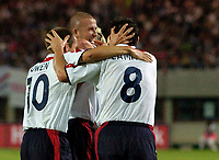 Fotball<br /> 04.09.2004<br /> Foto:SBI/Digitalsport<br /> NORWAY ONLY<br /> <br /> Østerrike v England<br /> World Cup Qualifier<br /> <br /> Captain Marvellous, David Beckham (C) orchestrates a brilliant indirect freekick to put England in the driving seat.